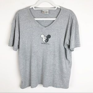 Walt Disney World Gray Yin Yang Gray Vintage Top
